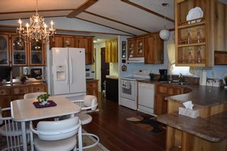 Photo 3: 32 Delta Crescent in St Clements: Pineridge Trailer Park Residential for sale (R02)  : MLS®# 202117671