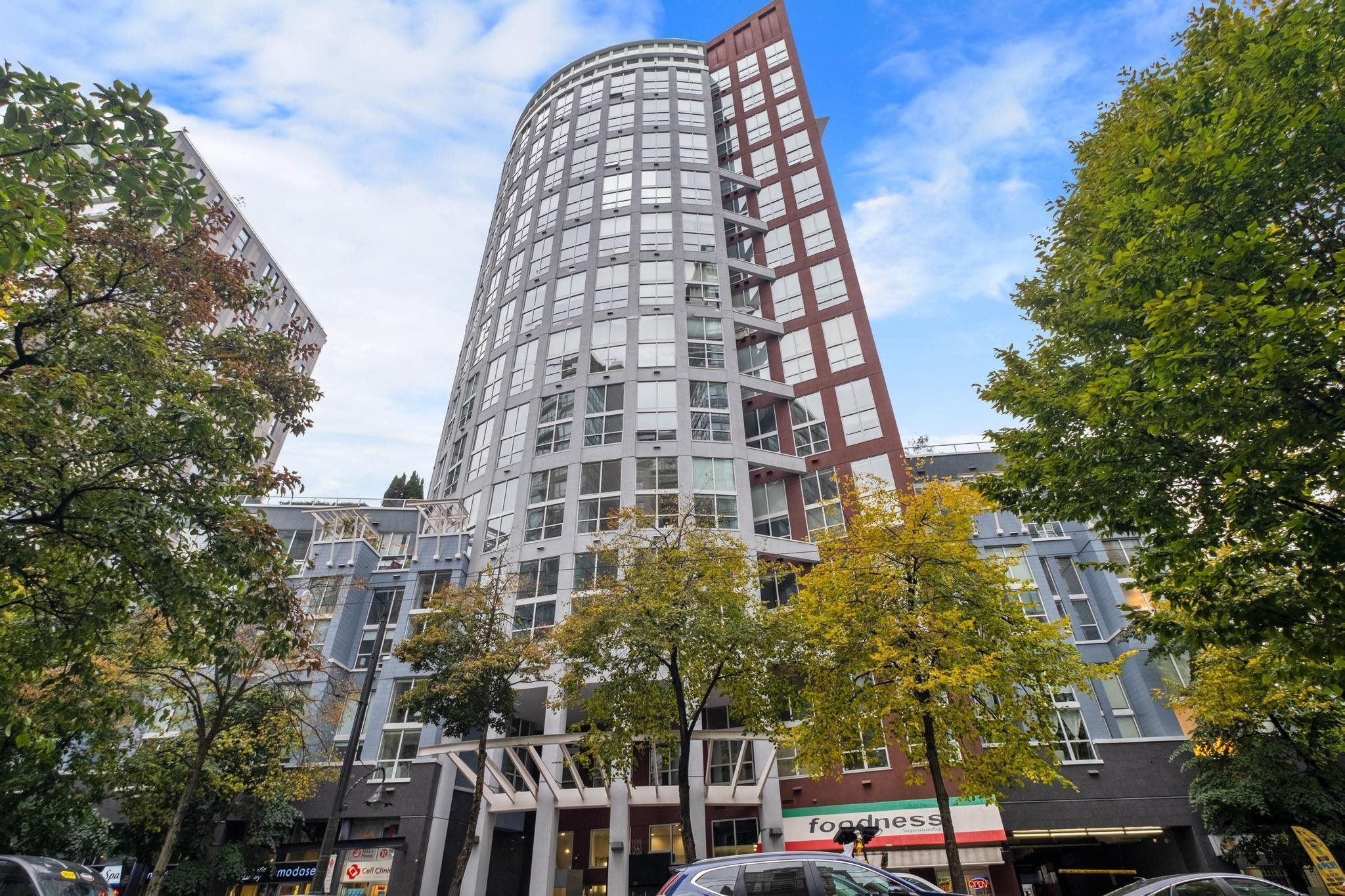 """Main Photo: 420 933 SEYMOUR Street in Vancouver: Downtown VW Condo for sale in """"The Spot"""" (Vancouver West)  : MLS®# R2624826"""