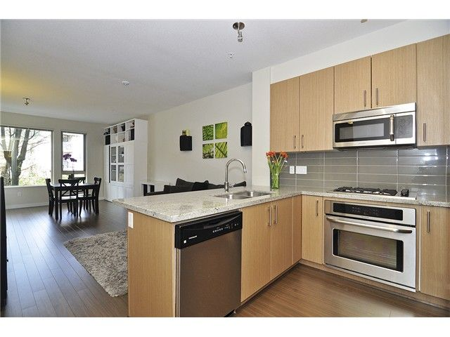 Main Photo: # 212 119 W 22ND ST in North Vancouver: Central Lonsdale Condo for sale : MLS®# V1053875