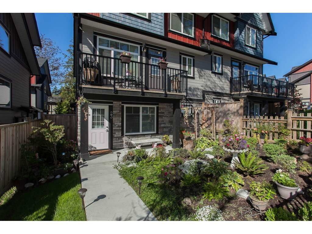 """Main Photo: 23 6929 142 Street in Surrey: East Newton Townhouse for sale in """"Redwood"""" : MLS®# R2110945"""