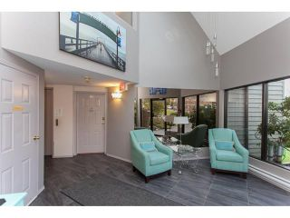 Photo 2: 209 14950 thrift Avenue in : White Rock Condo for sale (South Surrey White Rock)  : MLS®# R2131799