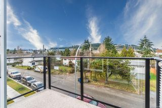 Photo 4: 105 308 Hillcrest Ave in : Na University District Multi Family for sale (Nanaimo)  : MLS®# 866425