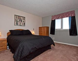 Photo 8: 56 SHAWFIELD Road SW in CALGARY: Shawnessy Residential Detached Single Family for sale (Calgary)  : MLS®# C3393680