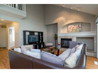 """Photo 3: 71 17097 64 Avenue in Surrey: Cloverdale BC Townhouse for sale in """"The Kentucky"""" (Cloverdale)  : MLS®# R2064911"""
