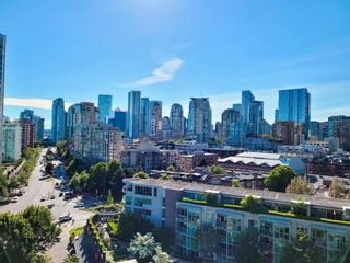 """Photo 2: 1602 1009 EXPO Boulevard in Vancouver: Yaletown Condo for sale in """"Landmark 33"""" (Vancouver West)  : MLS®# R2593362"""
