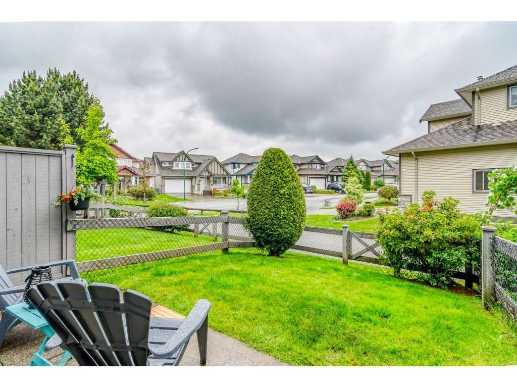 """Main Photo: 26 18839 69 Avenue in Surrey: Clayton Townhouse for sale in """"STARPOINT II"""" (Cloverdale)  : MLS®# R2459223"""