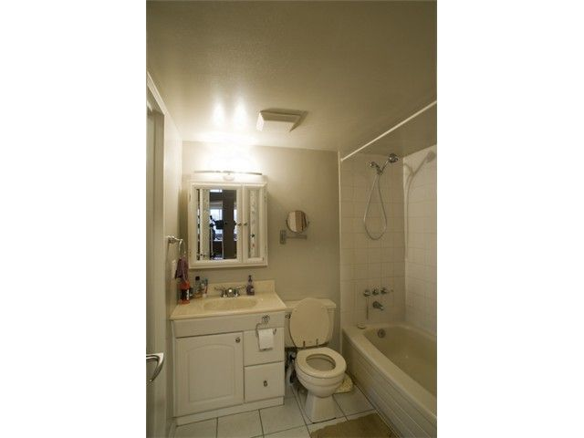 """Photo 8: Photos: 301 9890 MANCHESTER Drive in Burnaby: Cariboo Condo for sale in """"BROOKSIDE COURT"""" (Burnaby North)  : MLS®# V864730"""