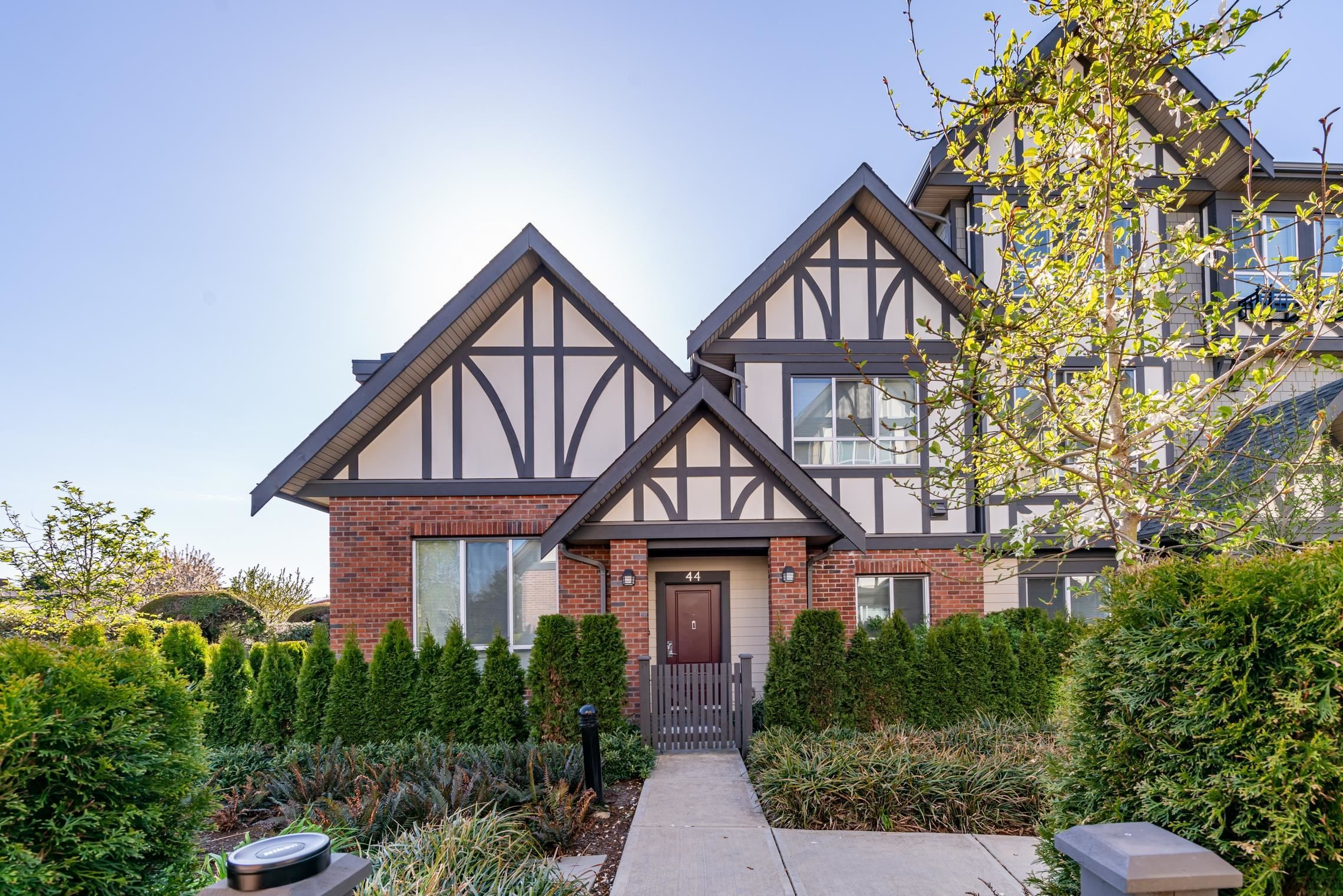 """Main Photo: 44 10388 NO. 2 Road in Richmond: Woodwards Townhouse for sale in """"Kingsley Estate"""" : MLS®# R2620163"""