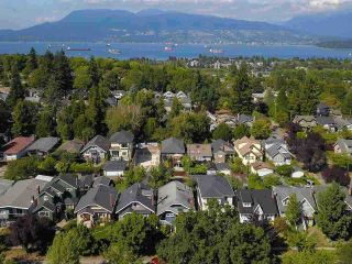 """Photo 4: 3825 W 19TH Avenue in Vancouver: Dunbar House for sale in """"Dunbar"""" (Vancouver West)  : MLS®# R2495475"""