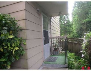 """Photo 2: 59 10535 153RD Street in Surrey: Guildford Townhouse for sale in """"Guildford Mews"""" (North Surrey)  : MLS®# F2820502"""