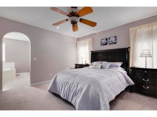 Photo 12: 27 VALLEY STREAM Manor NW in Calgary: Valley Ridge House for sale