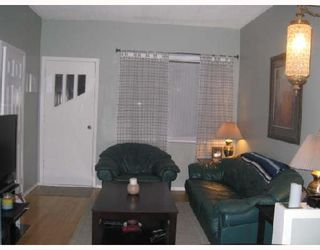 Photo 2: 866 ALFRED Avenue in WINNIPEG: North End Residential for sale (North West Winnipeg)  : MLS®# 2808279
