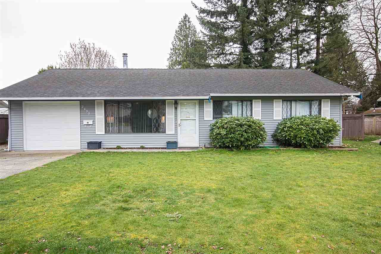 """Main Photo: 2633 MACBETH Crescent in Abbotsford: Abbotsford East House for sale in """"McMillan"""" : MLS®# R2043820"""