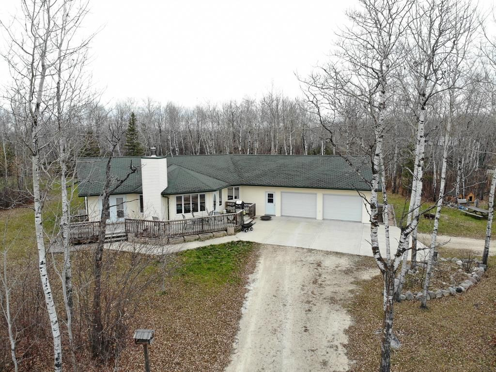 Main Photo: 68055 Beaver Creek Road in Whitemouth Rm: Whitemouth Residential for sale (R18)  : MLS®# 202026463