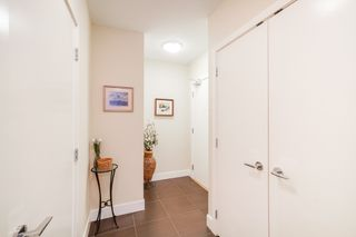 "Photo 3: 702 158 W 13TH Street in North Vancouver: Central Lonsdale Condo for sale in ""Vista Place"" : MLS®# R2342022"