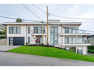 Photo 2: 1152 MARTIN Street: White Rock House for sale (South Surrey White Rock)  : MLS®# R2550621