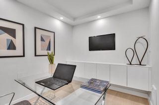 """Photo 12: 405 1490 PENNYFARTHING Drive in Vancouver: False Creek Condo for sale in """"Harbour Cove"""" (Vancouver West)  : MLS®# R2615809"""