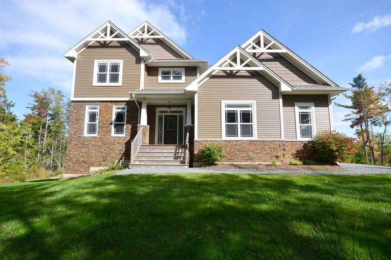 FEATURED LISTING: 309 ABERDEEN Drive Fall River