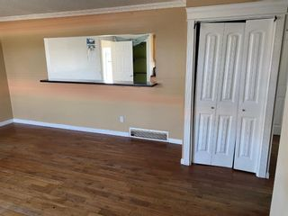Photo 3: 5315 Madigan Drive NE in Calgary: Marlborough Park Detached for sale : MLS®# A1115940