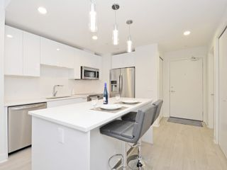 "Photo 8: 505 733 W 3RD Street in North Vancouver: Hamilton Condo for sale in ""THE SHORE"" : MLS®# R2120677"