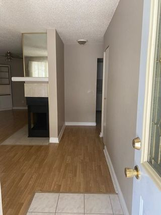 Photo 2: 9 2703 79 Street in Edmonton: Zone 29 Carriage for sale : MLS®# E4258478