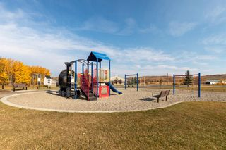 Photo 31: 616 Country Meadows Close: Turner Valley Detached for sale : MLS®# A1039044
