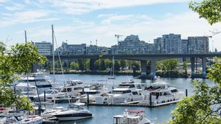 Photo 15: 310 1228 MARINASIDE CRESCENT in Vancouver: Yaletown Condo for sale (Vancouver West)  : MLS®# R2342063