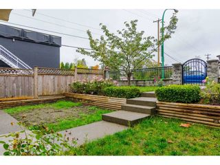 Photo 3: 380 STRATFORD Avenue in Burnaby: Capitol Hill BN 1/2 Duplex for sale (Burnaby North)  : MLS®# R2411548