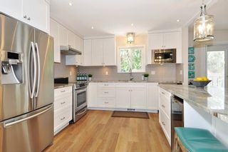 Photo 6: 19 ESCOLA Bay in Port Moody: Barber Street House for sale : MLS®# R2355631
