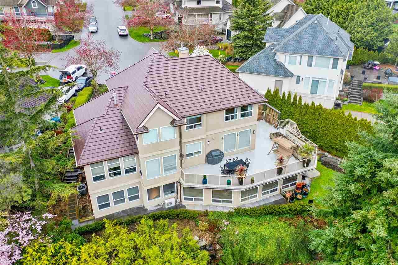 Main Photo: 35927 STONECROFT Place in Abbotsford: Abbotsford East House for sale : MLS®# R2583075