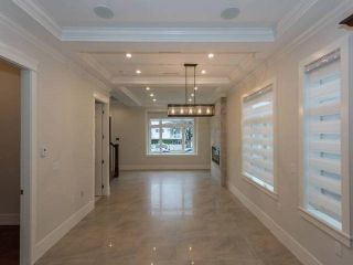 Photo 3: 5838 FLEMING Street in Vancouver: Knight House for sale (Vancouver East)  : MLS®# R2132707