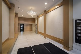 """Photo 20: 2002 668 COLUMBIA Street in New Westminster: Downtown NW Condo for sale in """"Trapp + Holbrook"""" : MLS®# R2419627"""