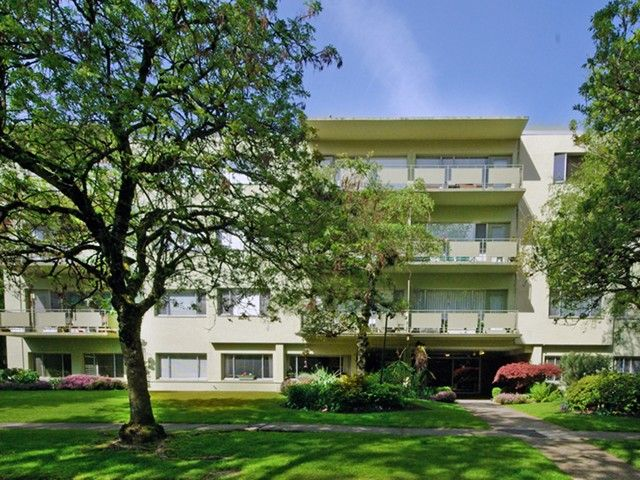 """Main Photo: 203 5475 VINE Street in Vancouver: Kerrisdale Condo for sale in """"Vinecrest Manor"""" (Vancouver West)  : MLS®# V1062495"""