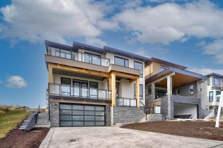 "Photo 1: 2715 MONTANA Place in Abbotsford: Abbotsford East House for sale in ""Eagle Mountain"" : MLS®# R2540825"