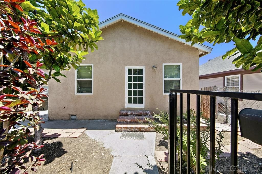 Main Photo: SAN DIEGO House for sale : 3 bedrooms : 839 39th St