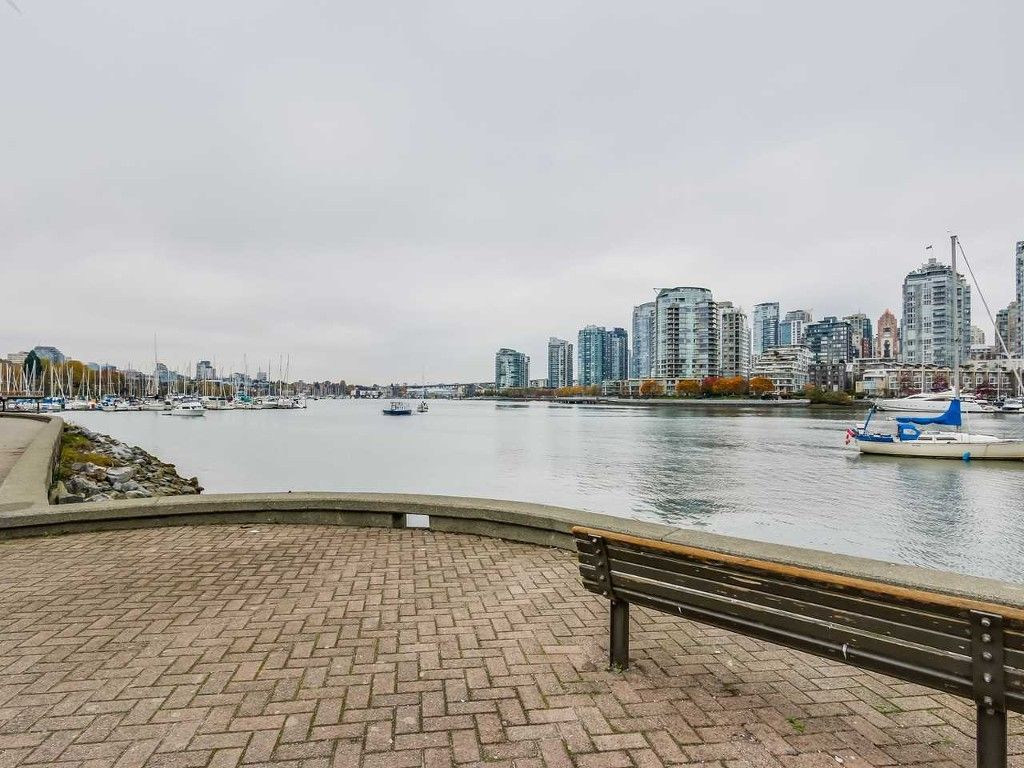 Main Photo: 216 525 Wheelhouse Square in Vancouver: False Creek Condo for sale (Vancouver West)