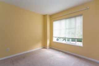 """Photo 14: 68 6465 184A Street in Surrey: Cloverdale BC Townhouse for sale in """"Rosebury Lane"""" (Cloverdale)  : MLS®# R2306057"""
