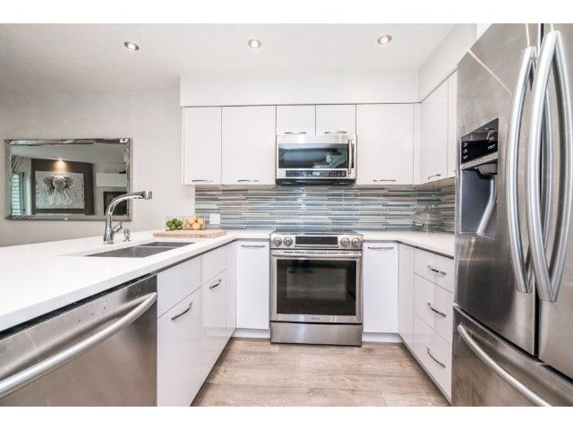 Photo 9: Photos: 3330 COBBLESTONE AV in VANCOUVER: Champlain Heights Townhouse for sale (Vancouver East)  : MLS®# R2195762