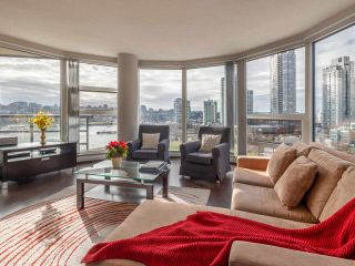 "Photo 8: 10C 199 DRAKE Street in Vancouver: Yaletown Condo for sale in ""CONCORDIA 1"" (Vancouver West)  : MLS®# R2539673"