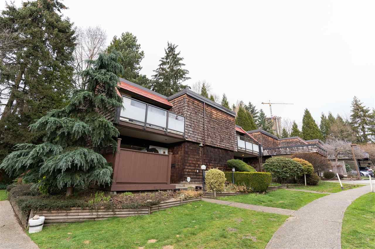 """Main Photo: 4129 BRIDGEWATER Crescent in Burnaby: Cariboo Townhouse for sale in """"Village del Ponte"""" (Burnaby North)  : MLS®# R2539039"""