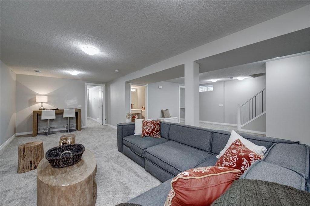 Photo 38: Photos: 210 OAKMOOR Place SW in Calgary: Oakridge House for sale : MLS®# C4111441