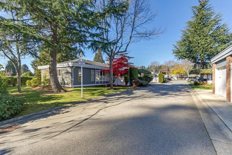 """Main Photo: 124 14271 18A Avenue in Surrey: Sunnyside Park Surrey Townhouse for sale in """"Ocean Bluff Court"""" (South Surrey White Rock)  : MLS®# R2318434"""