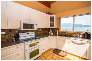 Photo 13: 689 Viel Road in Sorrento: Lakefront House for sale : MLS®# 10102875