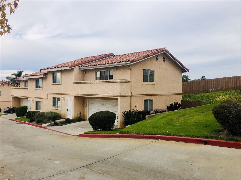 Main Photo: VISTA Townhouse for sale : 3 bedrooms : 1424 Janis Lynn Ln