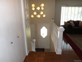 Photo 5: 676 Community Row in WINNIPEG: Charleswood Residential for sale (South Winnipeg)  : MLS®# 1513741