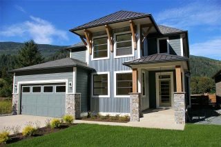 """Photo 1: 39 1885 COLUMBIA VALLEY Road in Lindell Beach: Cultus Lake House for sale in """"AQUADEL CROSSING"""" : MLS®# R2212620"""