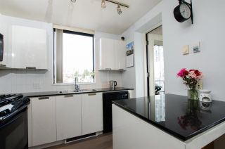 """Photo 9: 1307 151 W 2ND Street in North Vancouver: Lower Lonsdale Condo for sale in """"The Sky"""" : MLS®# R2439963"""
