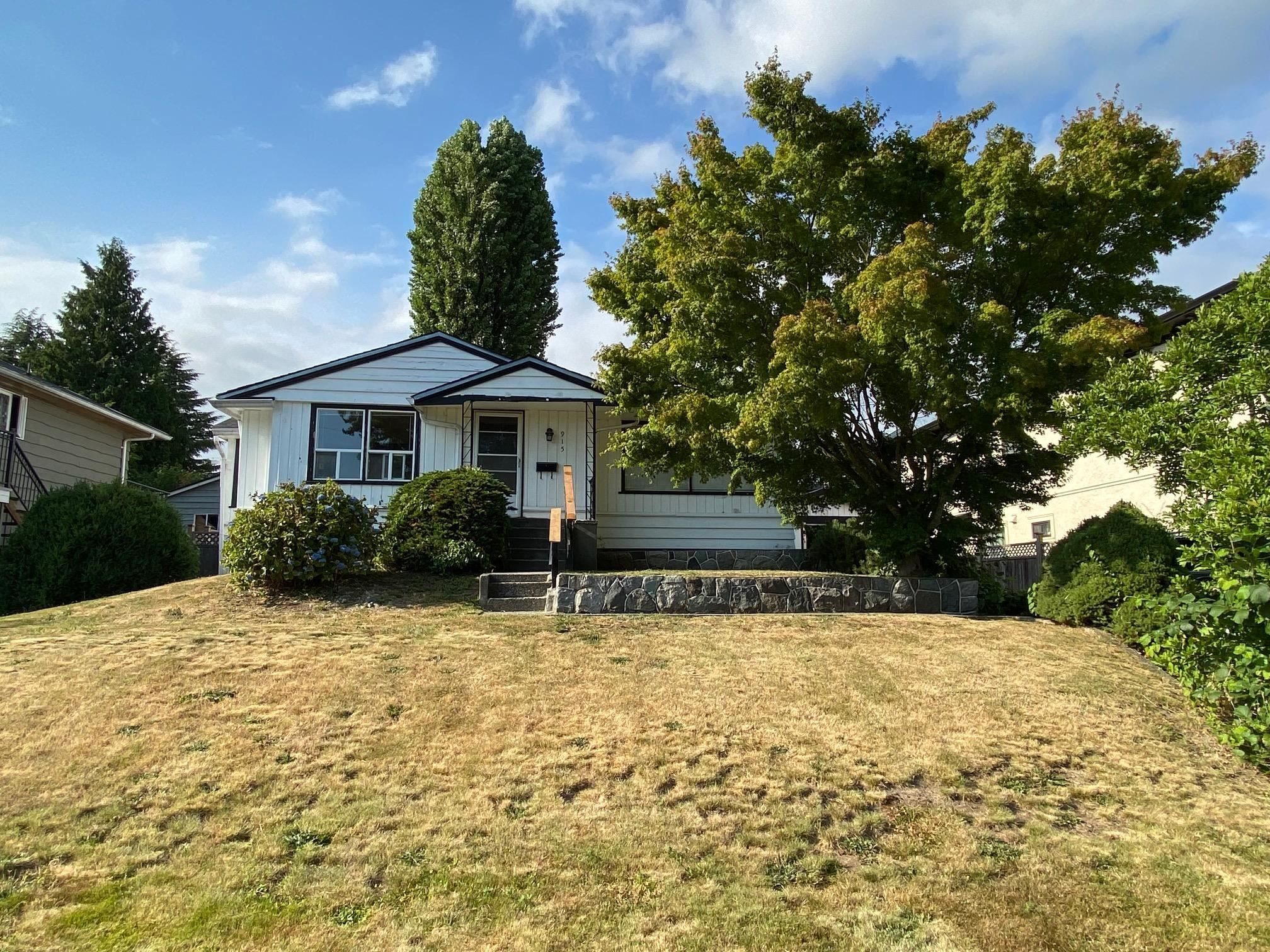 Main Photo: 915 WALLS Avenue in Coquitlam: Maillardville House for sale : MLS®# R2610718