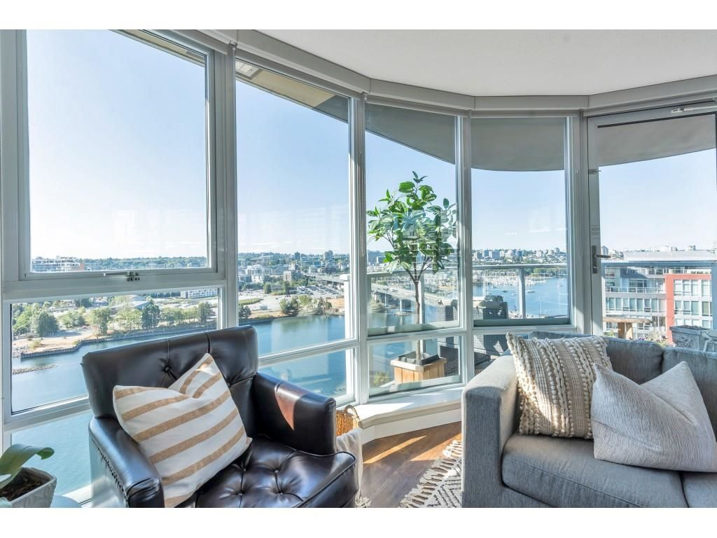 Main Photo: 2006 918 COOPERAGE WAY in Vancouver: Yaletown Condo for sale (Vancouver West)  : MLS®# R2607000
