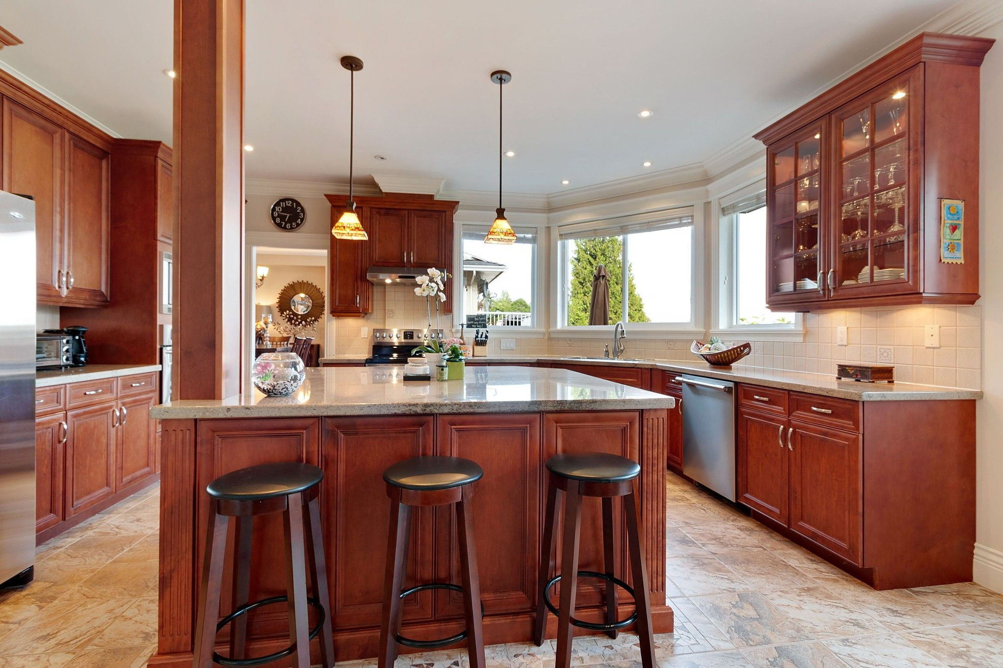 Photo 6: Photos: 1237 DYCK Road in North Vancouver: Lynn Valley House for sale : MLS®# R2374868